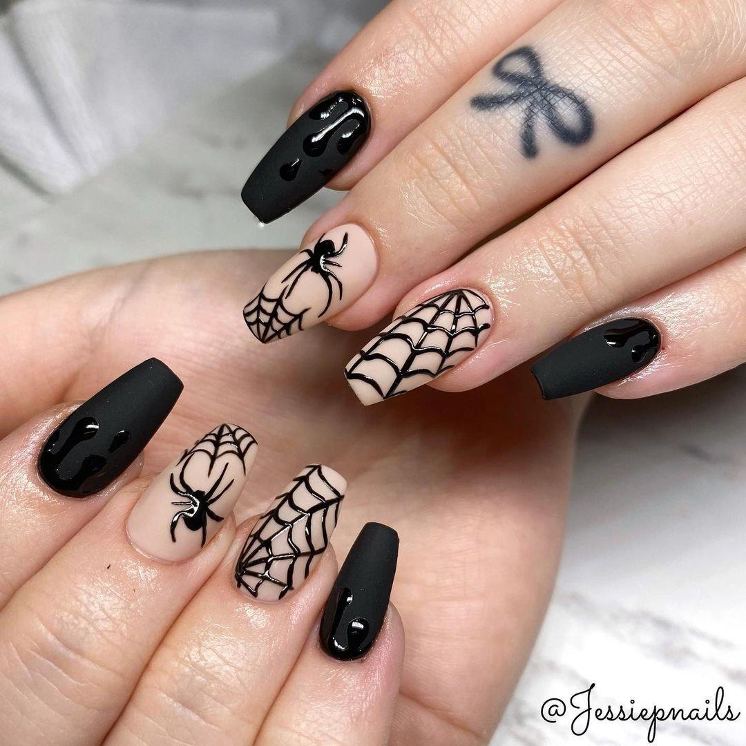 Halloween nail design easy, Halloween nail ideas, simple Halloween nails, Looking for halloween nail art. If so, there's plenty of Halloween nail designs acrylic and Halloween nails easy to choose from! #halloweennails #halloweennailart #halloweennaildesigns
