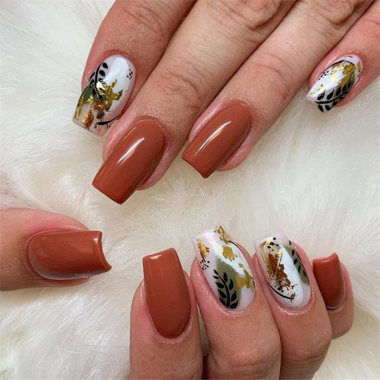 Gorgeous Fall Nail Art you'll Fall in Love With; Autumn Nail Design; Fall Nail Art; Leaf Nail Art; Nail Design; #autumnnails #fallnails #leafnailart #naildesign