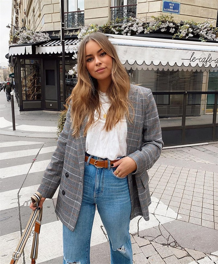 love casual jackets fall outfit ideas but don't know what to wear? Check out below for expert tips on what you should have for your college outfits.