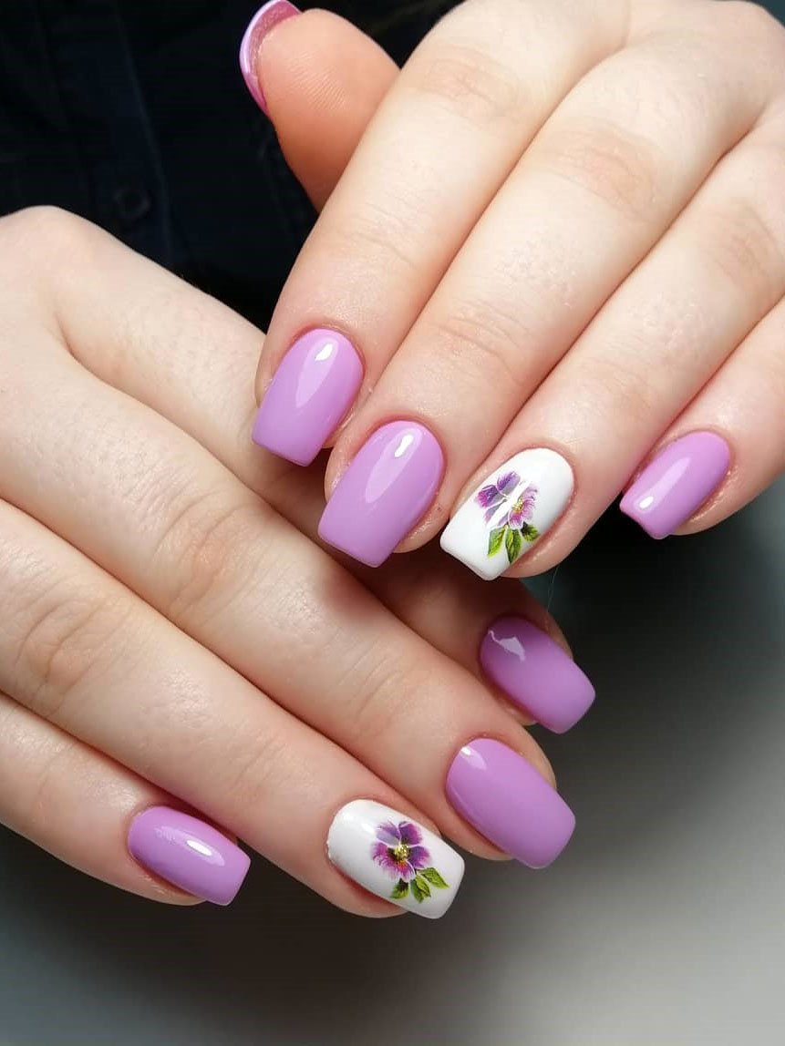 Spring nails 2020, today, we have found 40 flowers nails design for spring. You will finding a nail art that you love and that suits spring. #springnails #flowersnails #nails